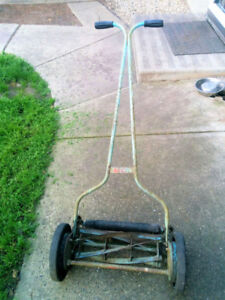 Vintage 1960's Push Mower - ECO FRIENDLY -  WORKS WELL