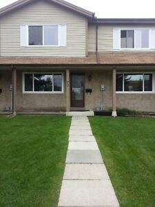For Rent: 3 Bedroom 1270 sq. ft. townhome located in St. Albert