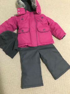 2 OSHKOSH snow sets for Kids (size 2T girls,size 4T boys) clean