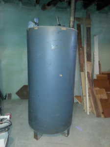 upright oil tank