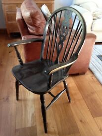 Windsor style wheel back carver chair