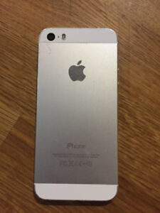 iphone 5s – 32gb Bell/Virgin – cracked screen but functional $60