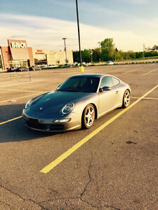 2005 Porsche 911 C2S Coupe (2 door)