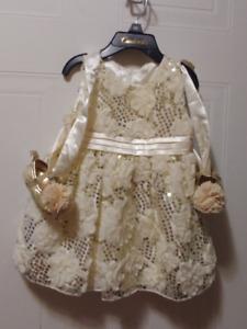 Robe / Dress Fille Enfant 6-9 et 12 mois 15$