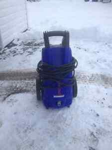 Machine à pression électrique