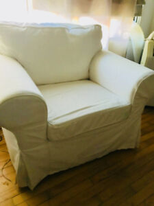 Moving sale! Comfy armchair - only asking $150! ($399 new)