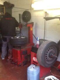 Tyre machine wheel balancer compressor all sorts