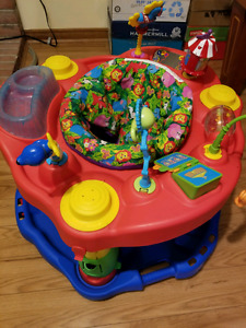 Baby bouncy saucer