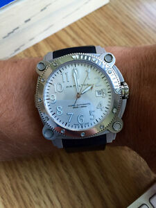 Hamilton BeLOWZERO Khaki Automatic diving watch