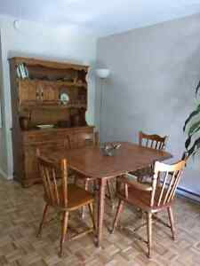Dining room set with hutch / buffet in solid hardwood