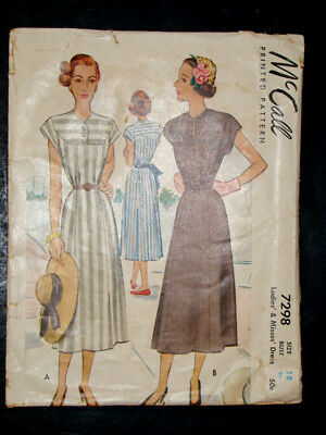 1940's Vintage McCALL #7298 Fashion PRINTED DRESS PATTERN / Size 16 / Bust 36