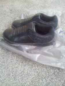 Royal Elastics REAL leather sneakers size 7 Kitchener / Waterloo Kitchener Area image 2