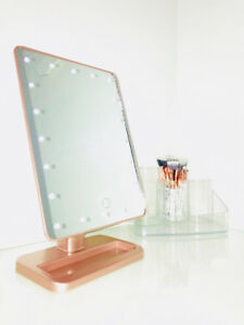 Makeup Mirror with Bluetooth Speaker!