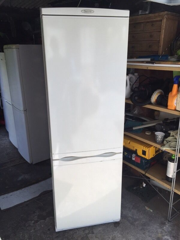 Servis fridge freezer in good all round condition, can deliverin Sheffield, South YorkshireGumtree - Servis fridge freezer in good all round condition, large fridge freezer ideal for family, dimensions areHeight 179cmWidth 60cmCan deliver locally if needed, thanks for looking