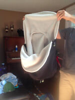 Car seat cover/ Couvre siege pour coquille