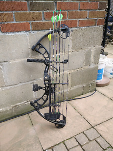 Compound Bow. Bear Cruzer