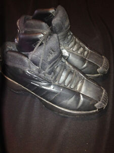 Mens Adidas Basketball Shoes Sz. 11