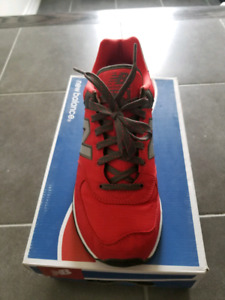 New Balance 574 Mens Shoes in Red