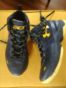 Boys Steph Curry Basketball Shoes -Size 6.5 Y