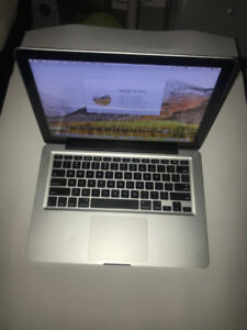 "Apple MacBook Pro Mid 2011 13"" i5 2.3Ghz 4GB 500GB WITH MICROSOF"