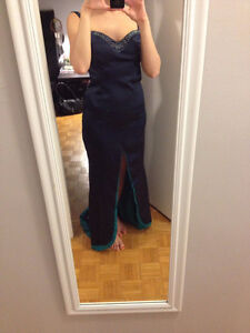 Full length, open back, hand beaded gown. Kitchener / Waterloo Kitchener Area image 5