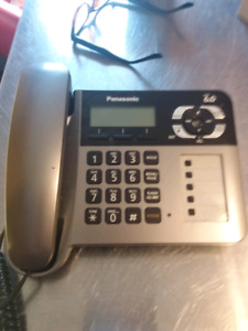 Panasonic Expandable Digital Corded Telephone Answering System