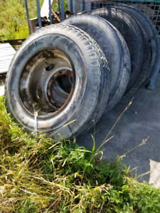 11 R 22.5 truck tires
