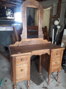 Antique Makeup Vanity .