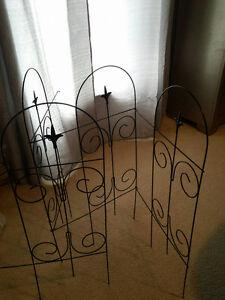 30' black metal garden fencing