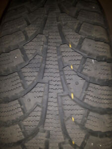 Hankook winter pike rsv   205/55/16 with rims, use for one month