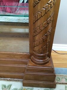 BEAUTIFUL OAK CHINA CABINET  PRICE NOW $600.00 Cambridge Kitchener Area image 4