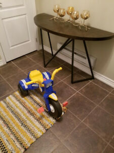 Moving Sale: Beautiful Kids Tricycle on very low Price!