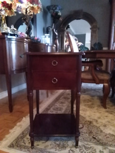 Bombay nightstand end table d'appointe
