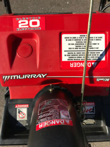 20 INCH ELECTRIC SNOWBLOWER IN MINT CONDITION