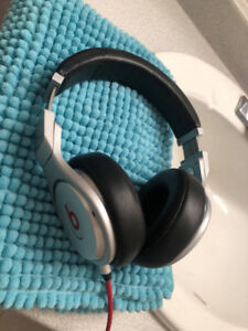 Beats Pro by Dre in 8/10 condition