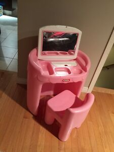 Little Tikes Vanity and Chair