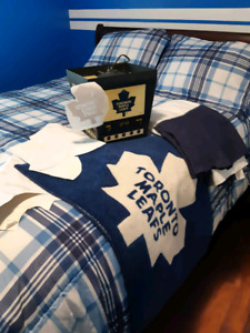 Toronto Maple Leaf Queen Bed set, rug and lamp wall decals