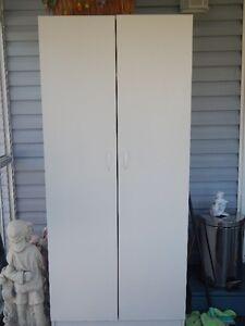 garderobe-penderie blanc mélamine