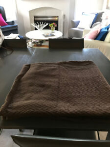 Brown 100% double size bedspread