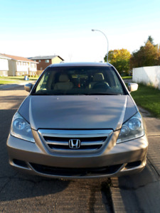 2006 Honda Odyssey van fully loaded EX-L leather interior
