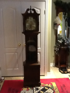 Grandfather Clock | Kijiji in Ontario  - Buy, Sell & Save with