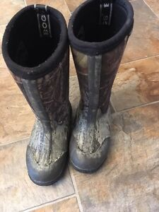 Bogs Winter Boots size 11 Boys