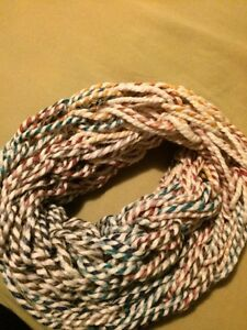 ARMKNITTED INFINITY SCARVES