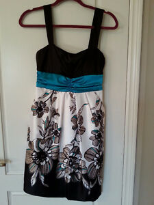 Multiple Dresses (Sizes S & M) - Prices listed Windsor Region Ontario image 7