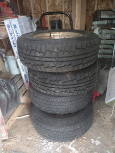 Minerva tires pneus d'hiver 235 70 16  winter tires