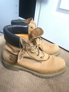 Men's Timberland Boots 11M Barely worn