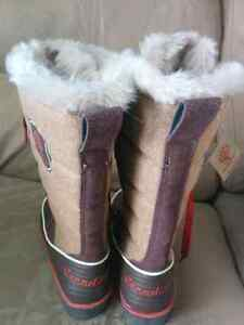 Canadiana Winter Lined Boots - Size 6 Kitchener / Waterloo Kitchener Area image 3