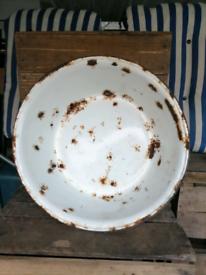 Large Antique/Vintage Wash Basin/Bowl