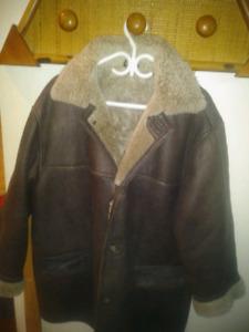Manteau d'hiver pour homme cuir et mouton à vendre (Négociable)