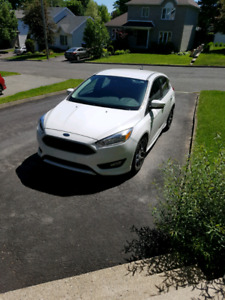 Ford focus SE Hatchback 2016  Blanc 273 $/mois